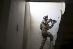 Fouilles des maisons à la recherche de combattants de Daech