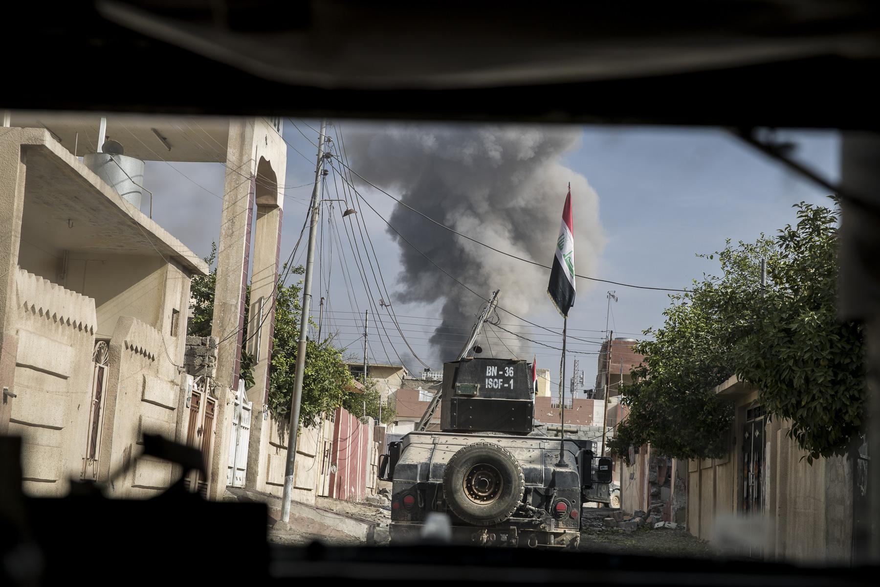Les troupes de la Golden Division s'enfonce toujours un peu plus dans Mossul, leur mission est de sécuriser les centaines de maisons des quartiers à nouveau sous leur contrôle.