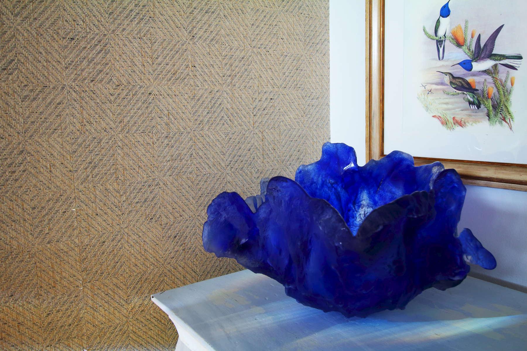 deep blue crystal decorative bowl