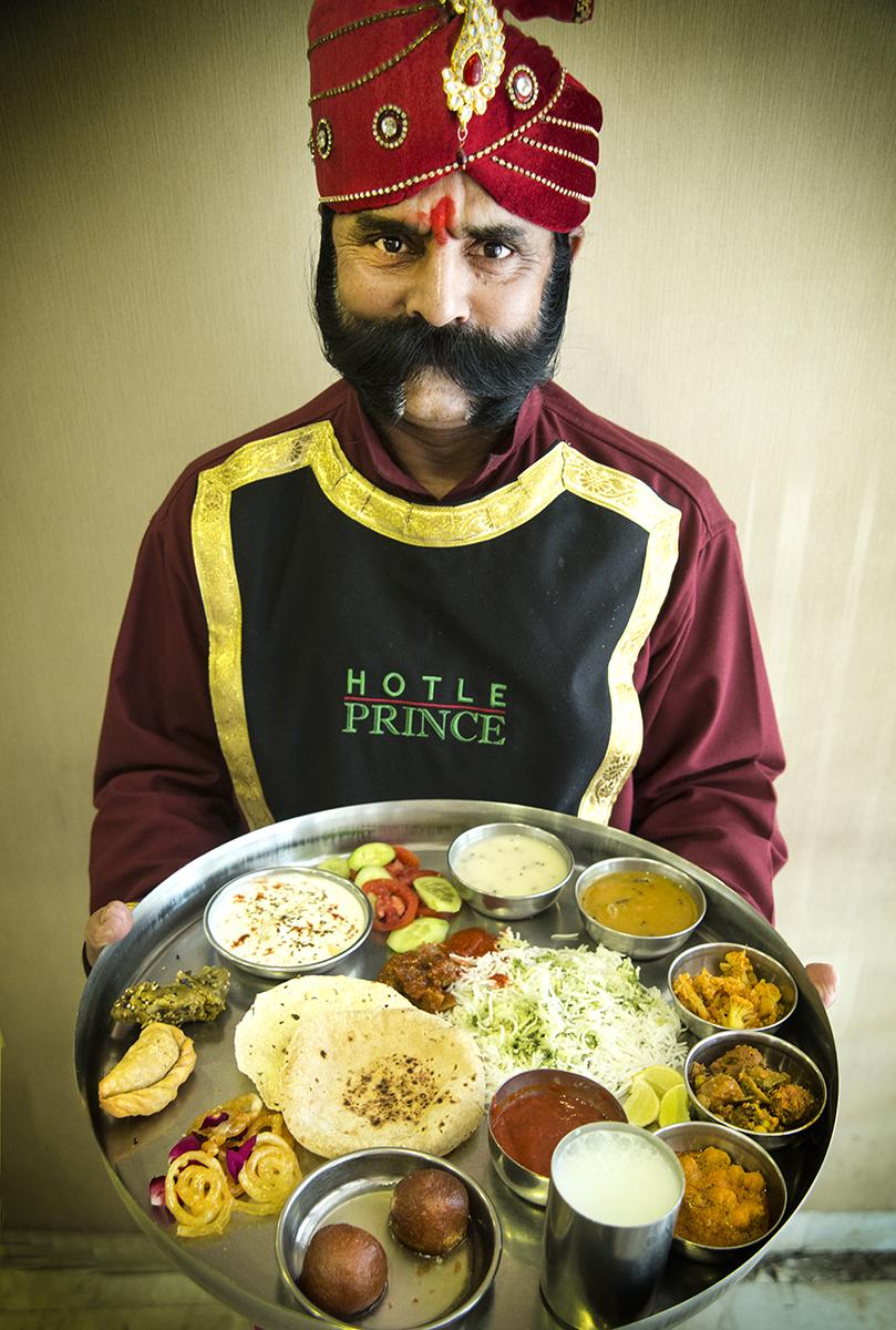 Doorman-with-trditonal-India-food4072