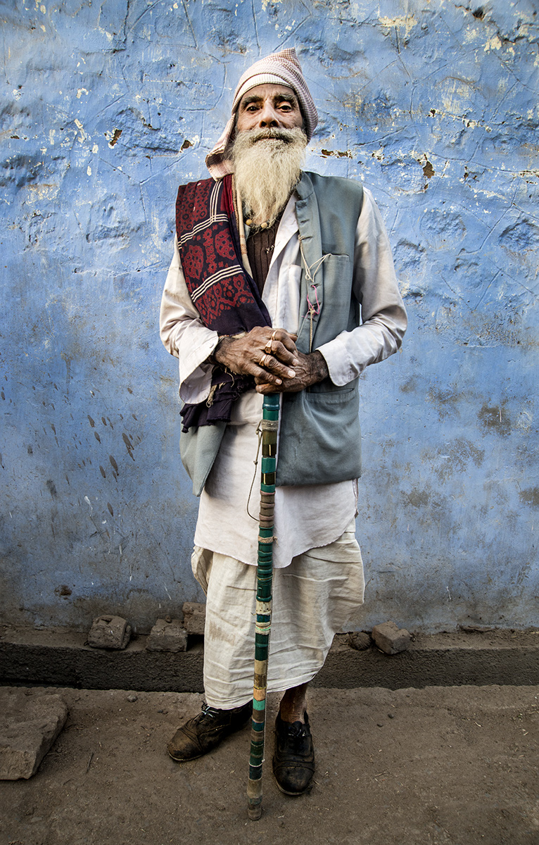 Indian-Man-on-Blue2511