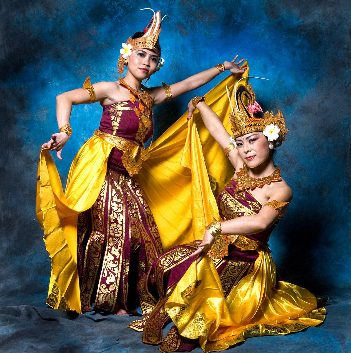 Indo-Dancers2