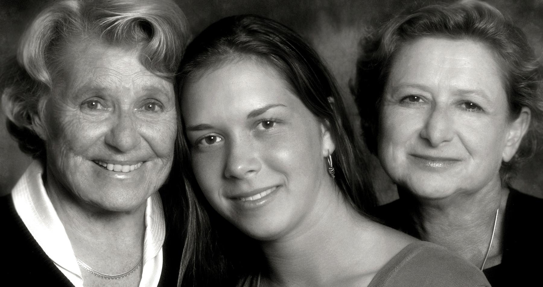 Tres-Generations-B_W_card-copy