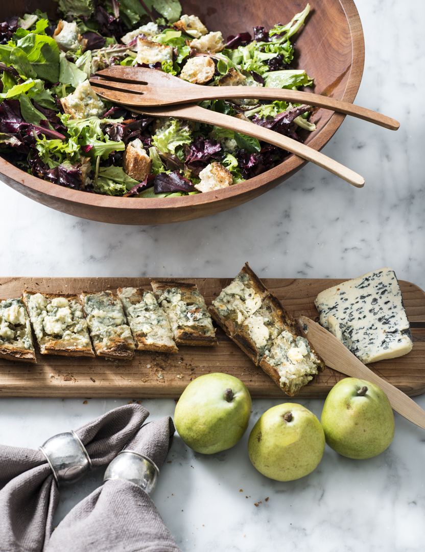 salad with blue cheese croutons