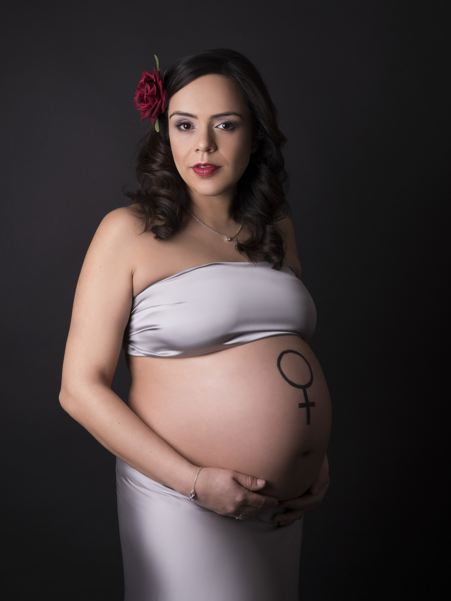Central-London-studio-pregnancy-maternity-photography