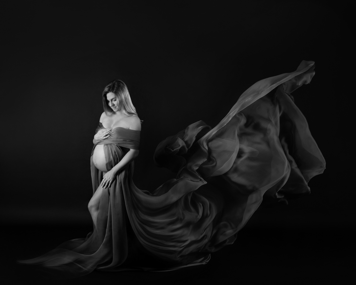 Maternity-pregnancy-photographer-Gloucester-Cheltenham