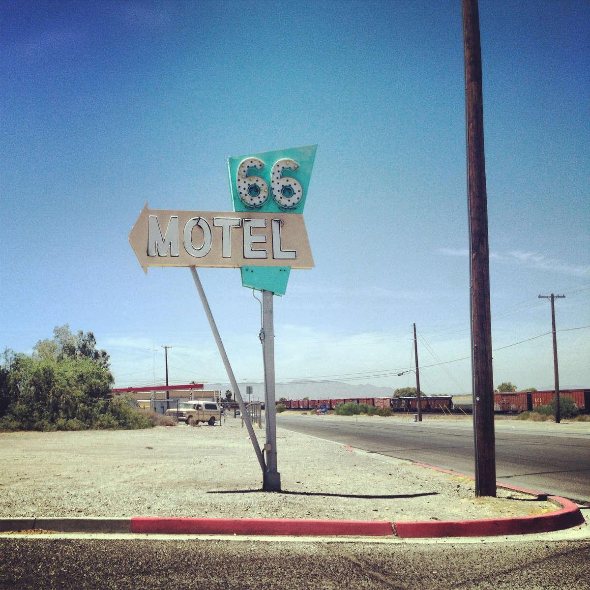 1_ST_66-Motel