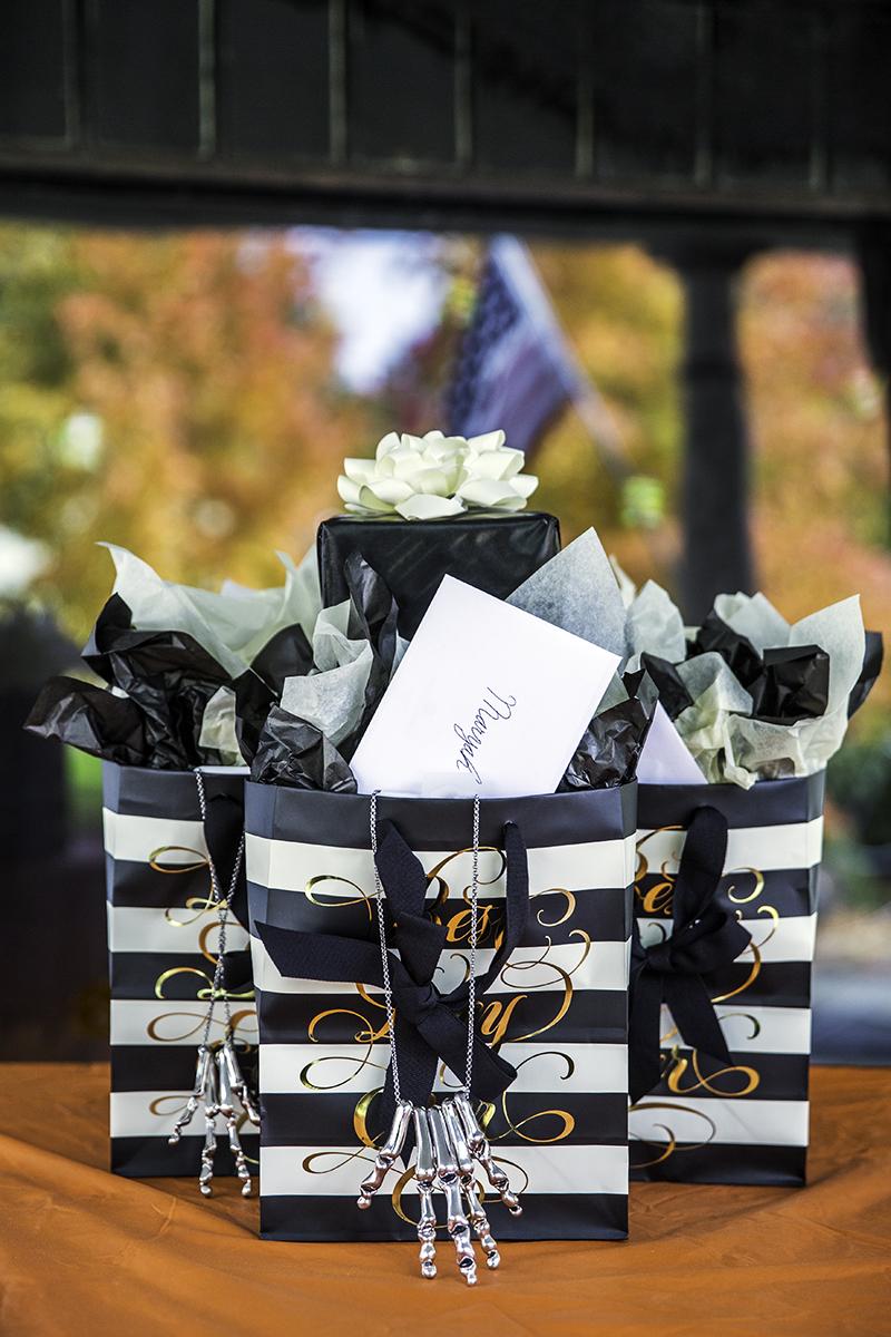 Leslie-Eric-Gift-Bag-1200