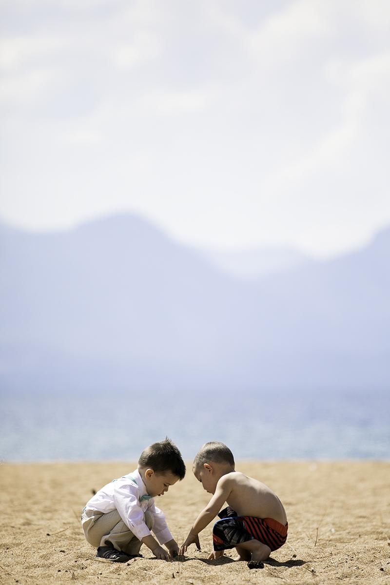 drew-cara-boys-beach