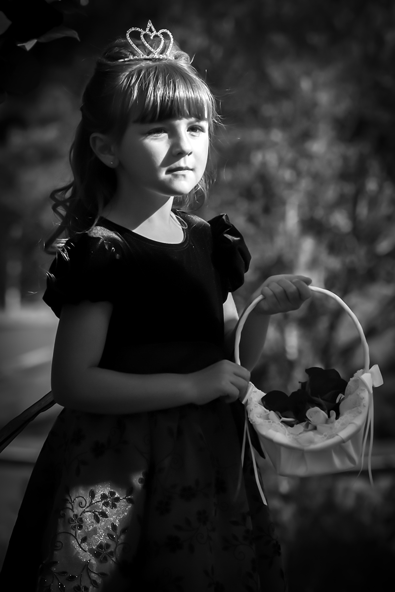 mollie-flower-girl-bw