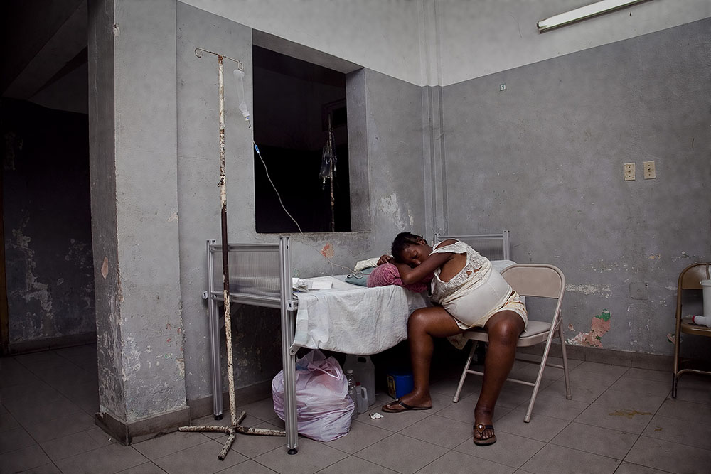 PORT-AU-PRINCE, HAITI - FEBRUARY 11: Charitalle Jean Pierre suffers from diabetes and wounds in the aftermath of the earthquake that stuck Port au Prince on January 12, 2010 at L'Hopital General on February 11, 2010 in Port au Prince .