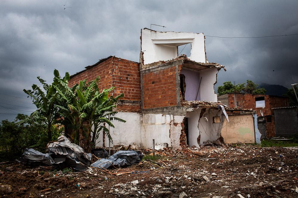 Logements détruits pour faire place à l'expansion de l'Autodrome et hôtels voisins.
