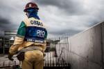 Ouvrier sur le site de construction de la future piste de BMX,  à Parque de Deodoro.