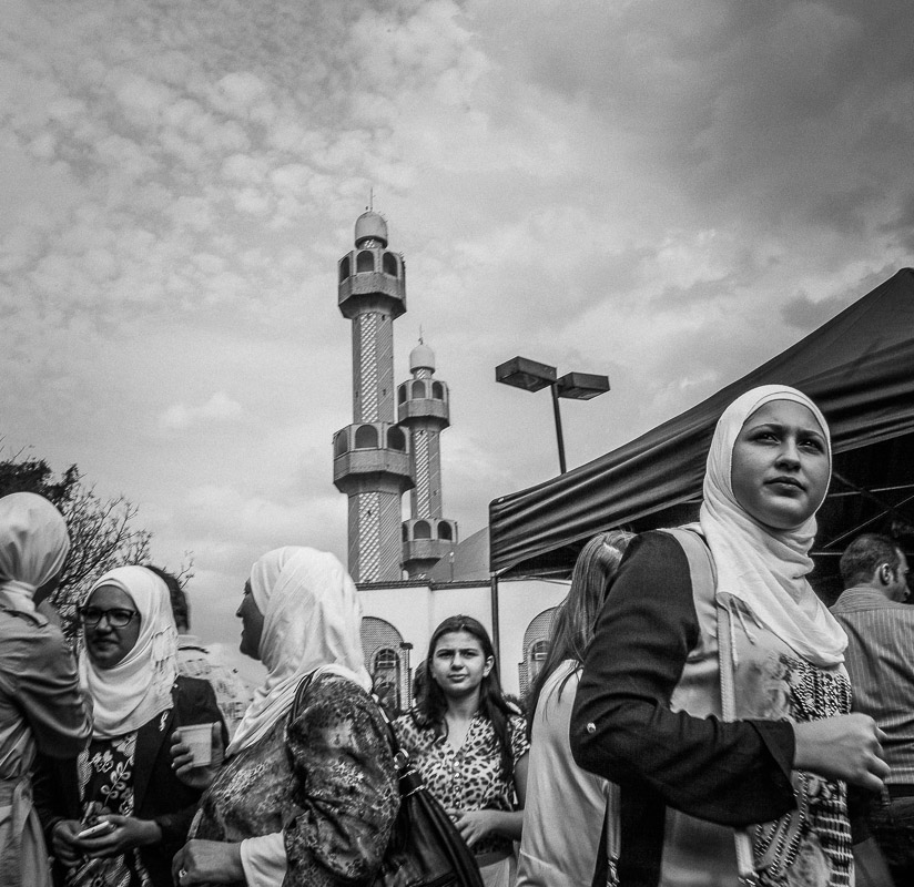 Arab women socialize at religious celebration of Eid in São Paulo. Sept 25th, 2015. St Amaro @InstagramBrasil