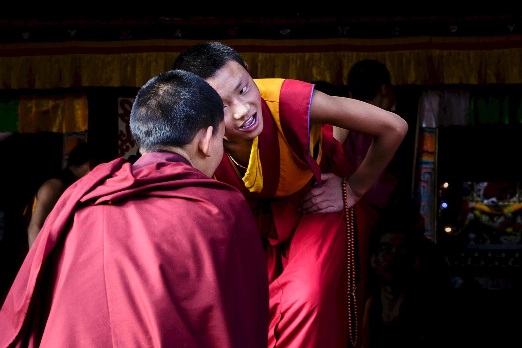 Young Monks heatedly debate Buddhist principals at Larung Gar