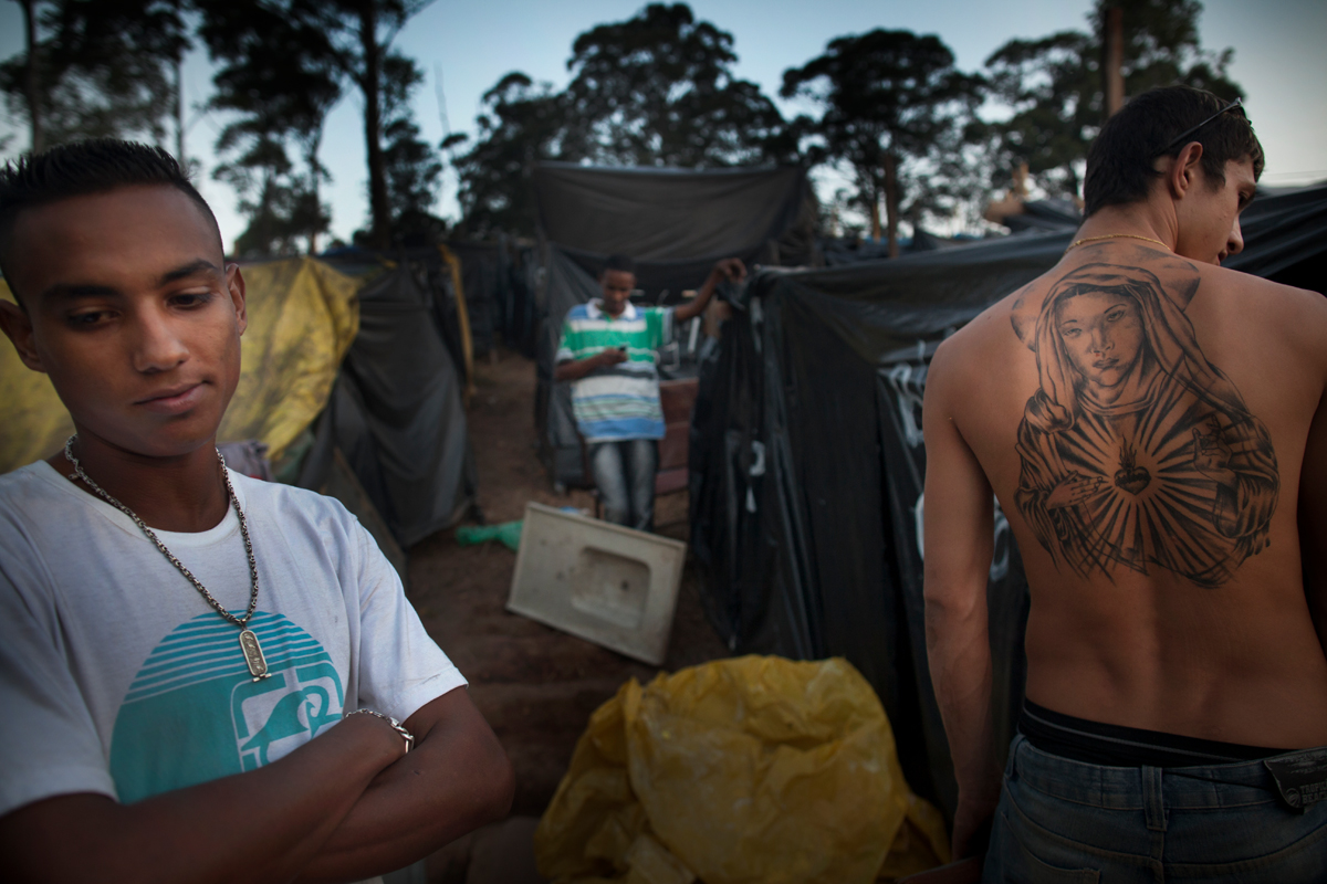 MTST Camp {quote}Copa do Povo{quote}, located 4km from the Itaquerao stadioum. Wellington Ribeiro (20) left