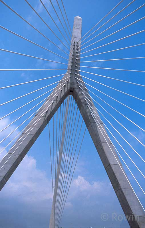 Tower closeup on Zakim Bridge
