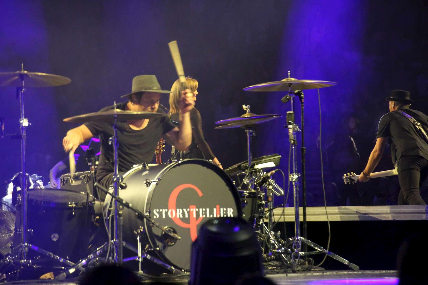 Carries-drummer-1