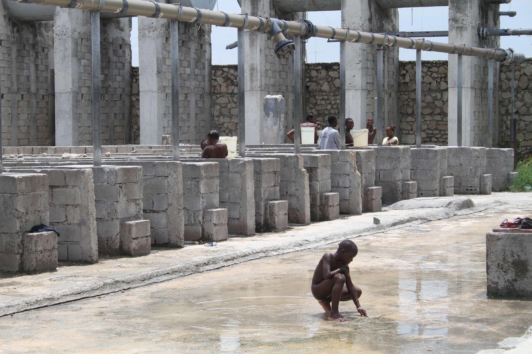 Public Shower in Citie Soli