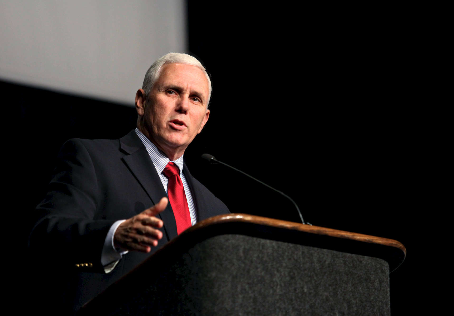 Vice President Mike Pence. Event, political, rally photography by Perry Reichanadter, Wayne Images.