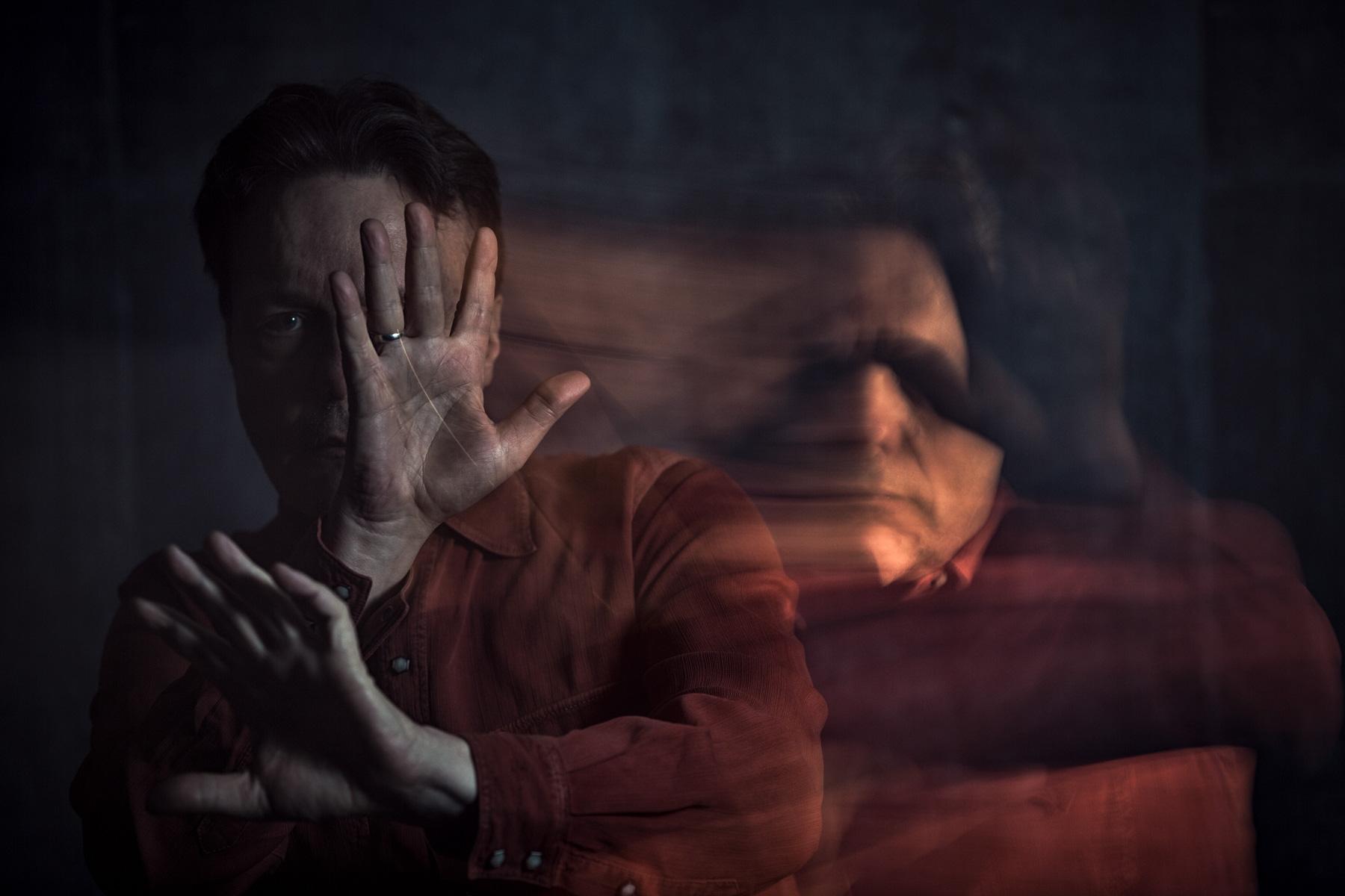 hiding-portrait-mystery