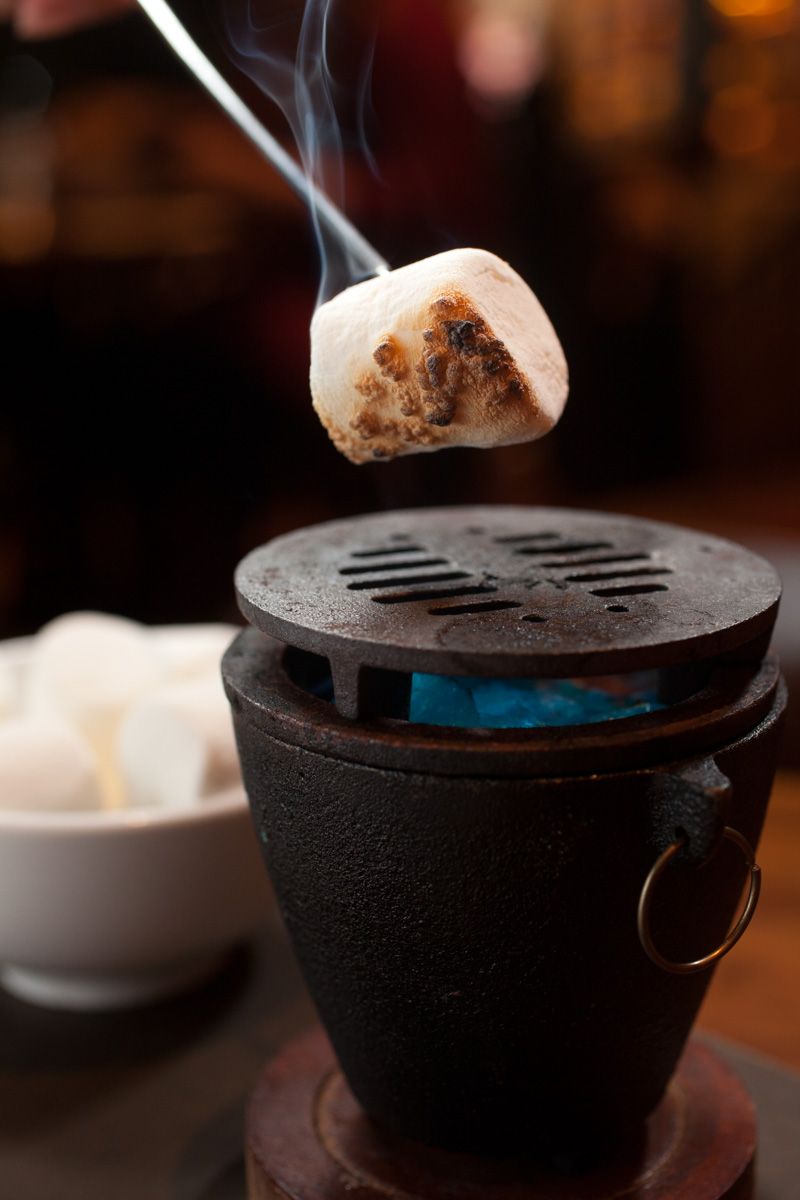 roasting-marshmallows-inside-restaurant