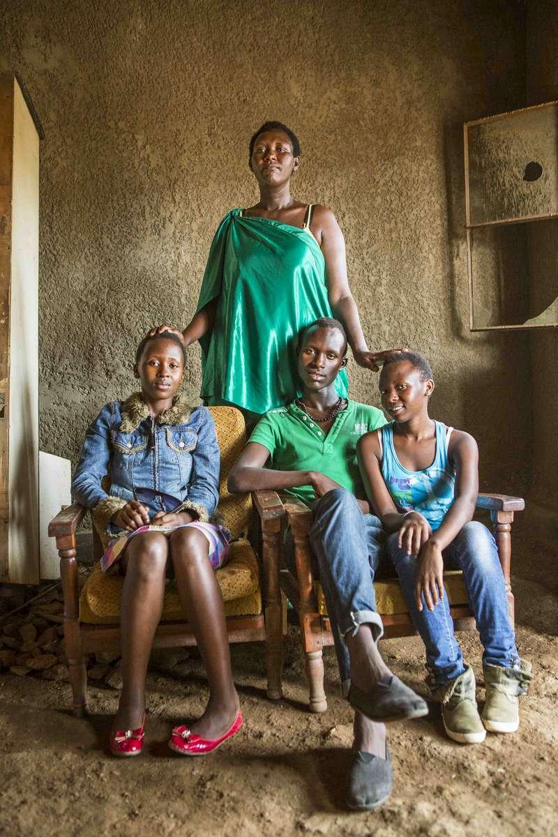 Mother and children, Rwanda