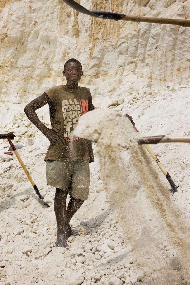Digging Kaolin, Rwanda
