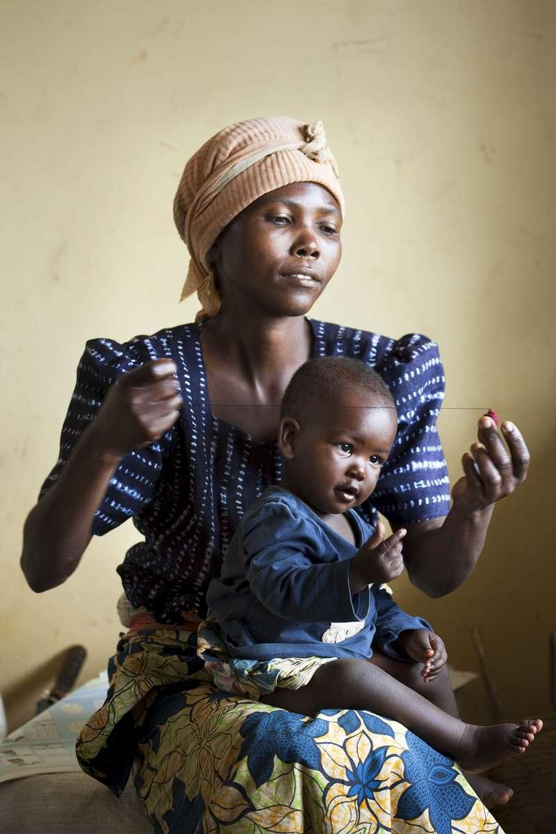 Jewelry maker, Rwanda