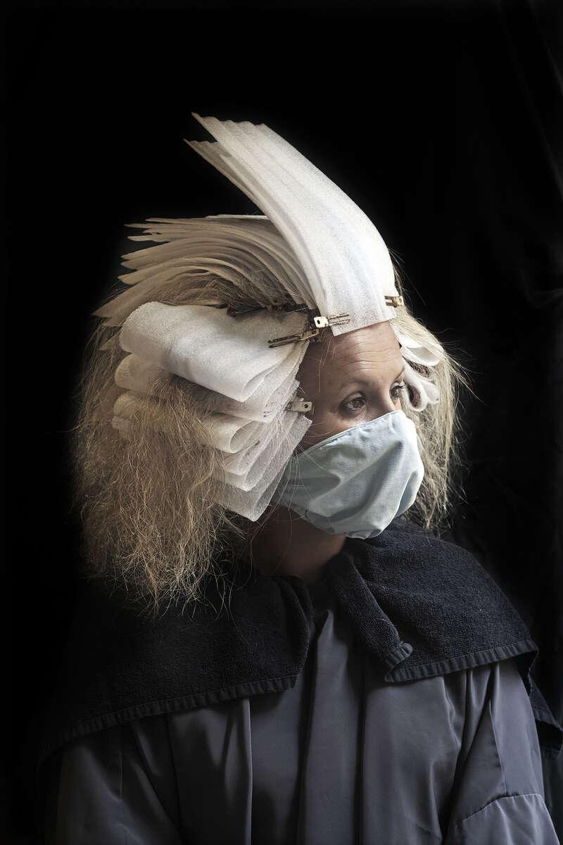 Portrait chez le coiffeur. Tentative de retour à la normale. Valleraugue, Mai 2020.