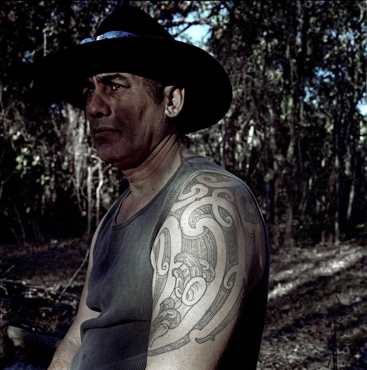 Portrait de Michael Karaitaine avec son tatouage maori (tribu des Tuwharetoas, Nouvelle Zélande). Umpty Doo, Darwin, TN, Australie, Juillet 2013.
