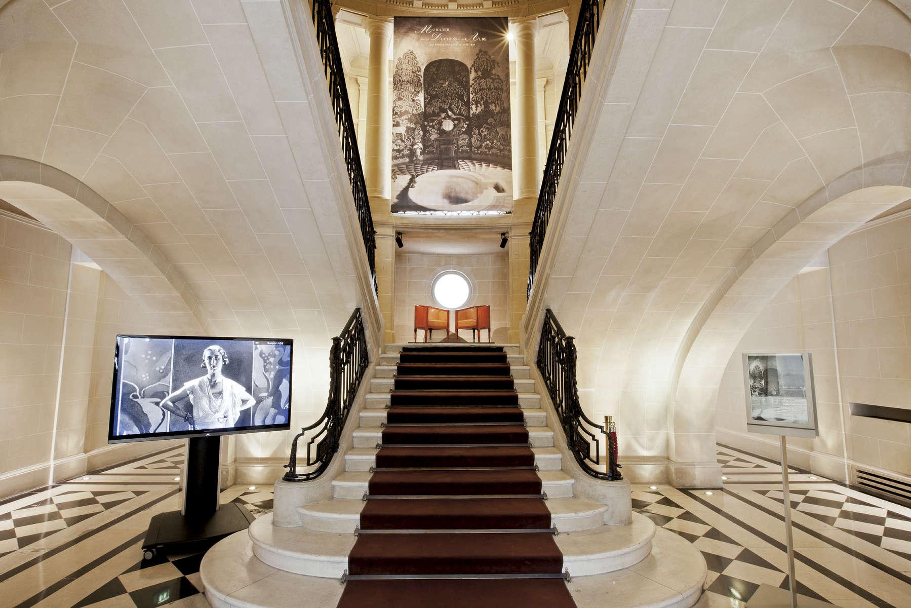 Vente de la Duchesse d'Alba, Christie's, Paris, France.