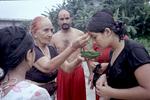 La rivière sacrée, Népal, Août 2009. Il y a 18 ans de cela, la famille Mainali ainsi que les autres réfugiés arrivaient au Népal près de cette rivière. Pendant 6 mois, ils y vécurent avant que le Haut Commissariat pour les réfugiés les prennent en charge. Aujourd'hui ils viennent s'y reccueillir une dernière fois avant de partir pour les Etats-Unis.