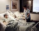 Très vite après leur arrivée, Hema s'est vue proposer un poste via l'association Catholic Charities, de femme de ménage à l'hôpital de Dallas qu'elle a accepté. Elle est payé 910 dollars (730 euros) par mois. Dallas, Texas, Etats-Unis, 2009.