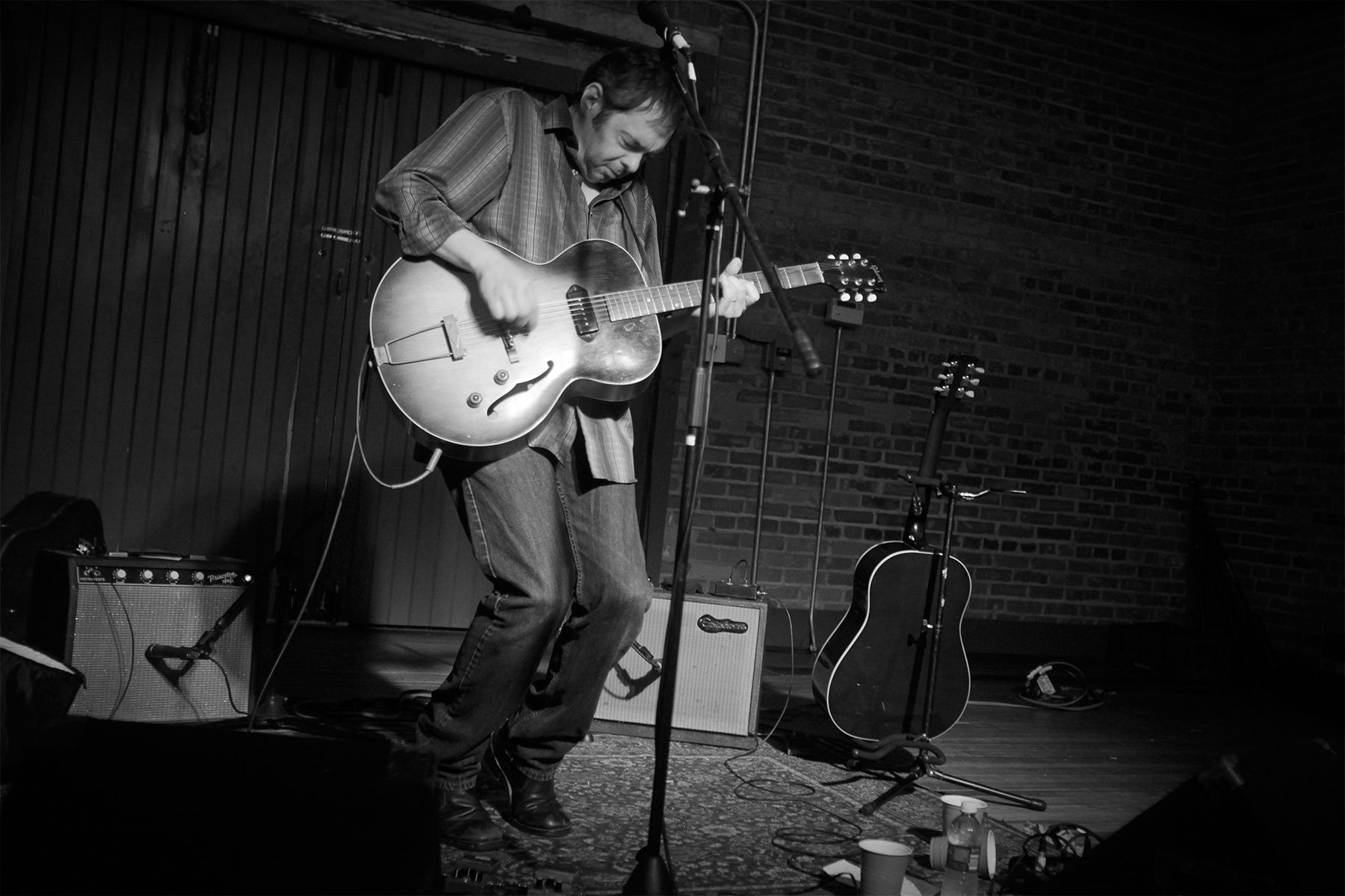 Lousiana songwriter Kevin Gordon performed at SXSE for an intimate show on August of 2010. Gordon says he grew up on a steady diet of Lousiana's indigenous swamp blues, honky tonk and rockabilly.