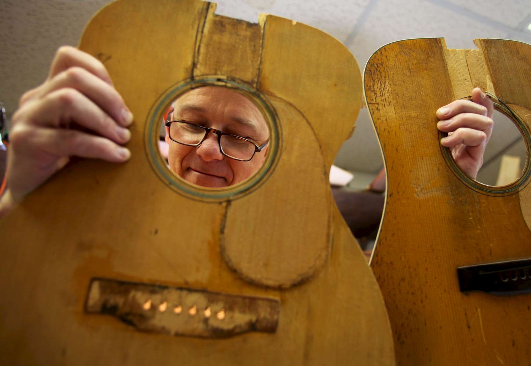 Virginia luthier Jim Merrill uses two pre-war Martin guitar tops, a 1934 OM-18 and a 1941 D-18, as a guide for his current line of guitars.For The Fretboard Journal #27