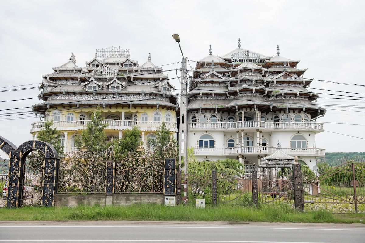 Roma Palaces in Campia Turzil, Turda, Transylvania, Romania