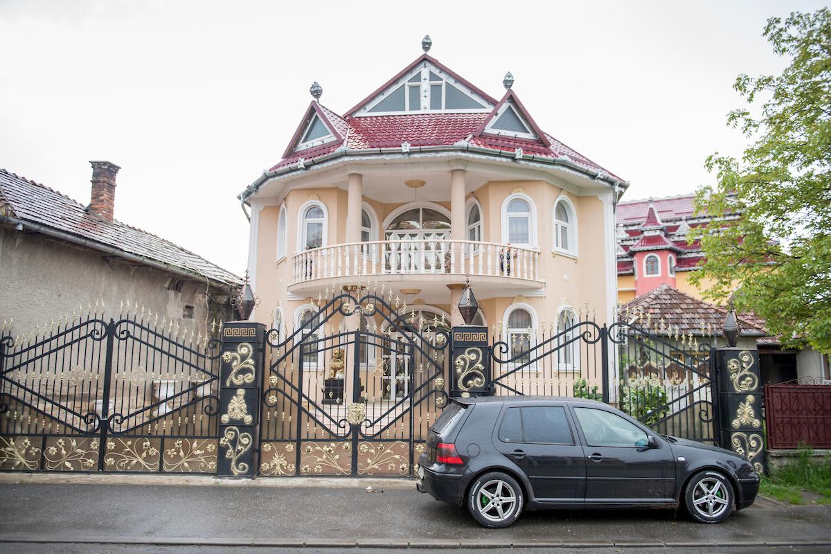 Roma Palaces in Huedin, Transylvania, Romania