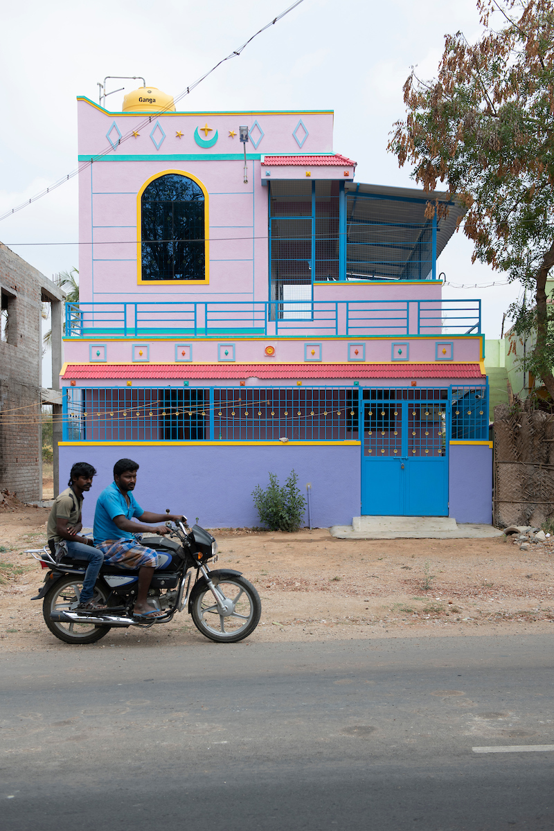 Free Architecture, En route from Bengaluru to Tiruvannamalai, Kandili, Bargur Tirupattur Rd. Tamilnadu, India