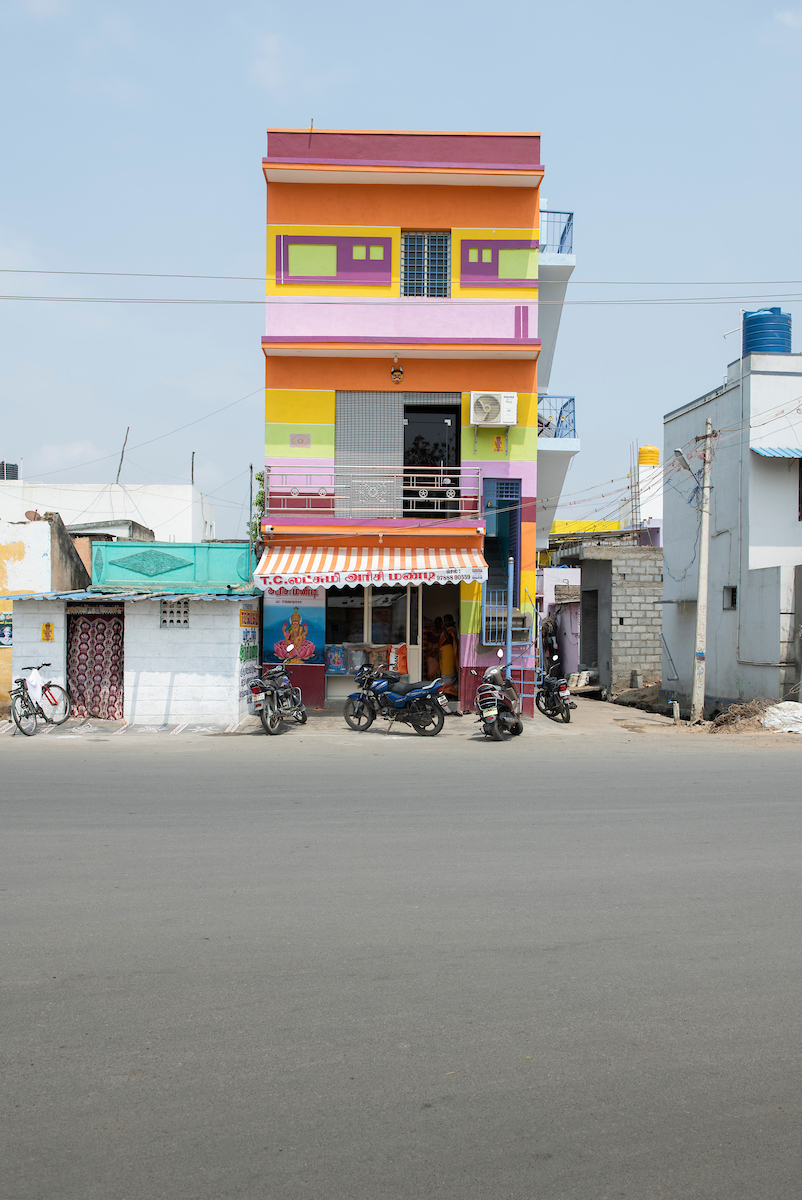 Free Architecture, En route from Bengaluru to Tiruvannamalai, Velugapuram, Tamilnadu, India