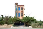 Free Architecture, En route from Bengaluru to Tiruvannamalai, Chengam Tukapet, Tamilnadu, India