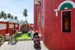 Swimming pool. The self-built fortress of Kanagavelu; Kottai House. Free Architecture. Kottakuppam, Pondicherry, India